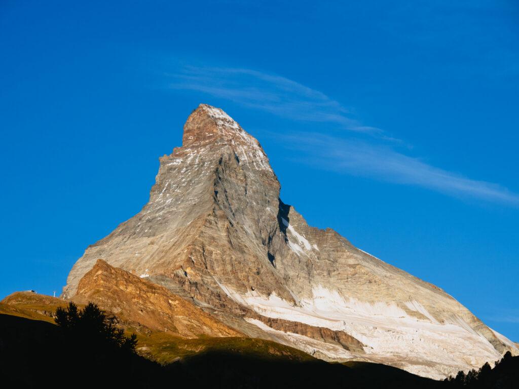 スイス 夏のツェルマット観光。マッターホルンを横目にトレッキングと湖巡り。