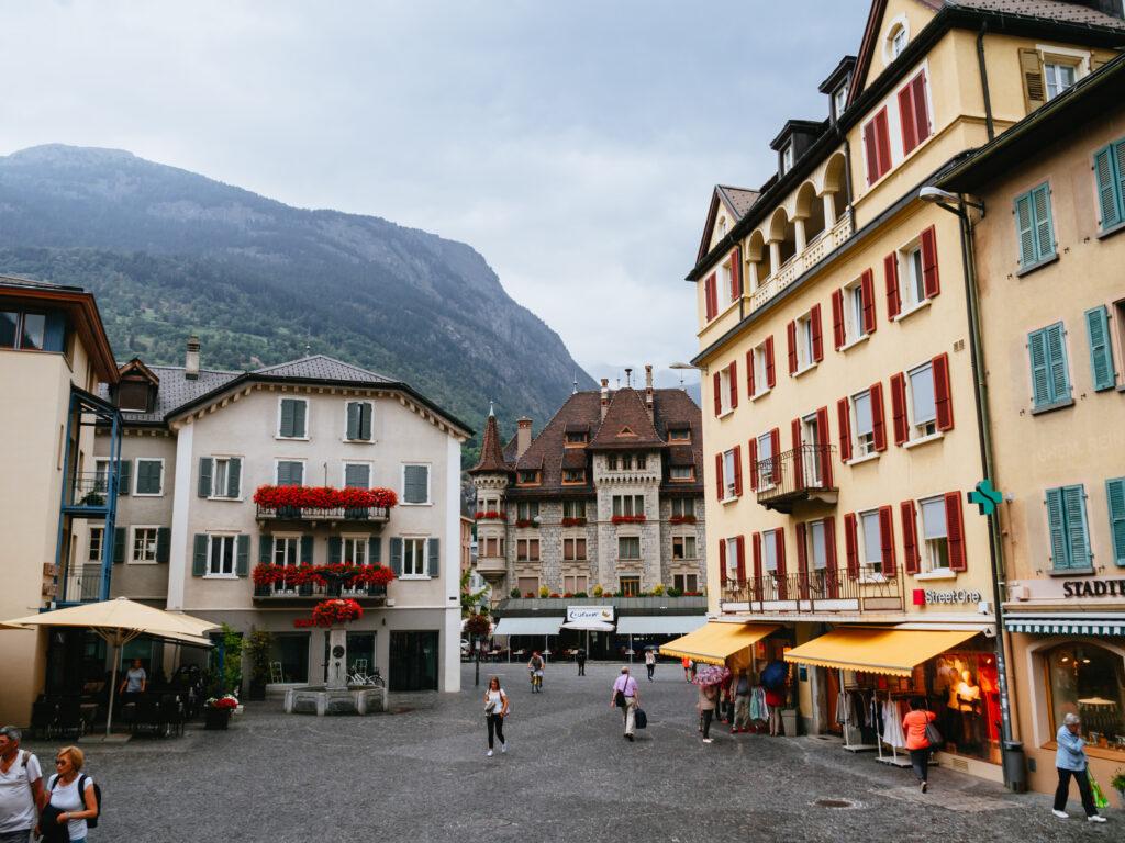 スイス 首都ベルンとルツェルンを1日観光。雨の日の写真スポット巡り
